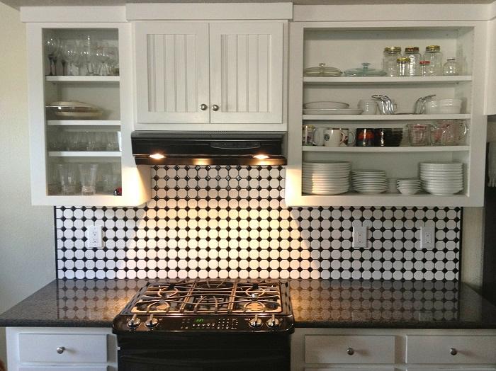 Vstavané skrine na mieru do malej kuchyne