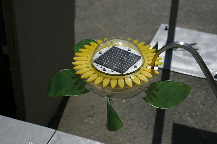 Solarne panely v slnečnici